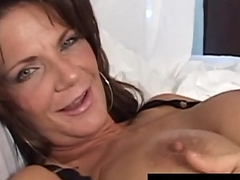 Texas Cougar Deauxma Squirts Say no to Juice After a long time Sex tool Banging!