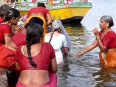 Indian old aunties bathing gonga openly. Obese Irritant &amp_ BOOBS!!!
