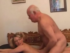 Hotty enjoys down in the mouth Sixty-nine session