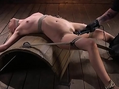 Demure sub in smalltits gets pussytoyed