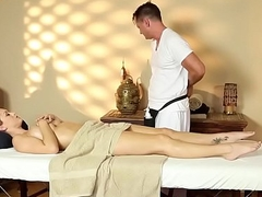 Massage loving babe deep-throats essentially hugecock