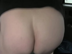 Fucked right into an asshole cosset squirts in cabbie backseat